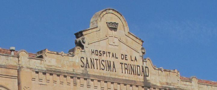 Letrero del Hospital de la Santísima Trinidad